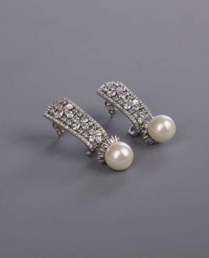 laality-uk-silver-pearl-drop-earrings-accessories