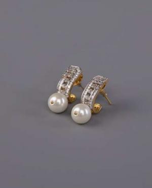 laality-uk-gold-pearl-drop-earrings-accessories-uk