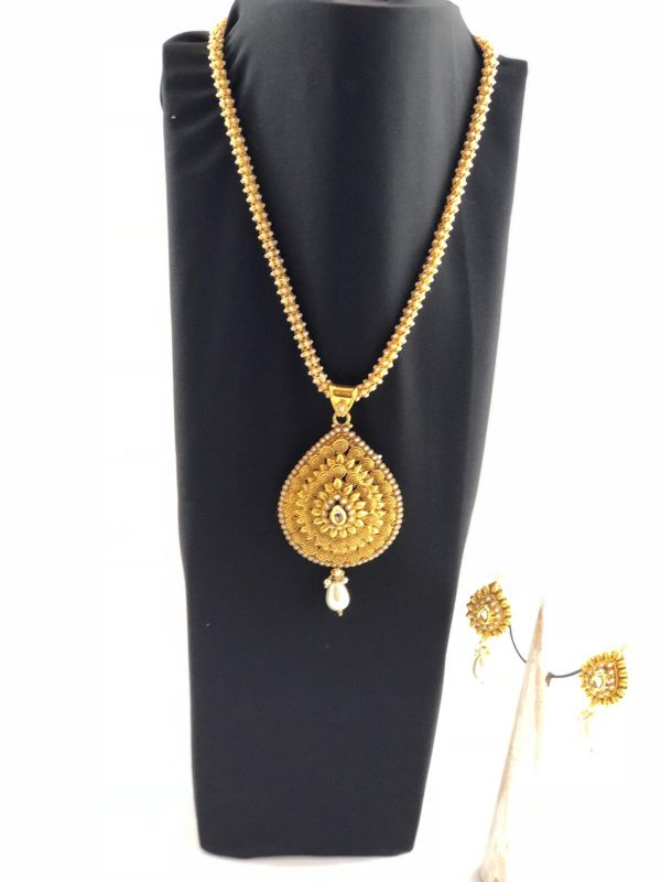 laality-uk-gold-&-white-beaded-necklace-set-indian-accessories