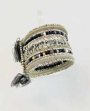 laality-uk-metallic-black-threaded-cuff-accessories