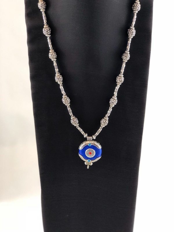 laality-uk-necklace-with-blue-pendant-accessories