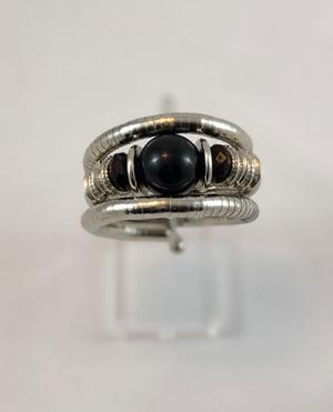 laality-uk-silver-black-bead-bracelet-accessories