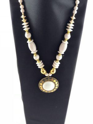 laality-uk-white-beaded-necklace-accessories